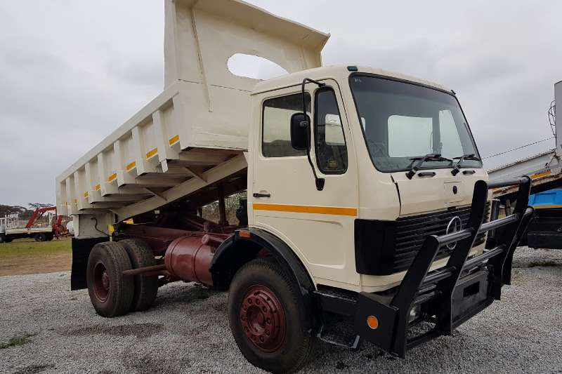 Truck Mercedes Benz Tipper Mercedes Bens 14-17 1990
