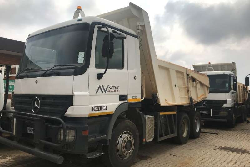 Truck Mercedes Benz Tipper Mercedes Benz 3331K / 33 Tipper 11m³ 2004