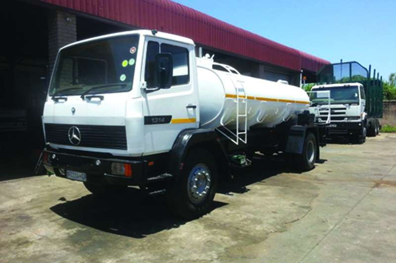 Truck Mercedes Benz Water Tanker 1314 1990