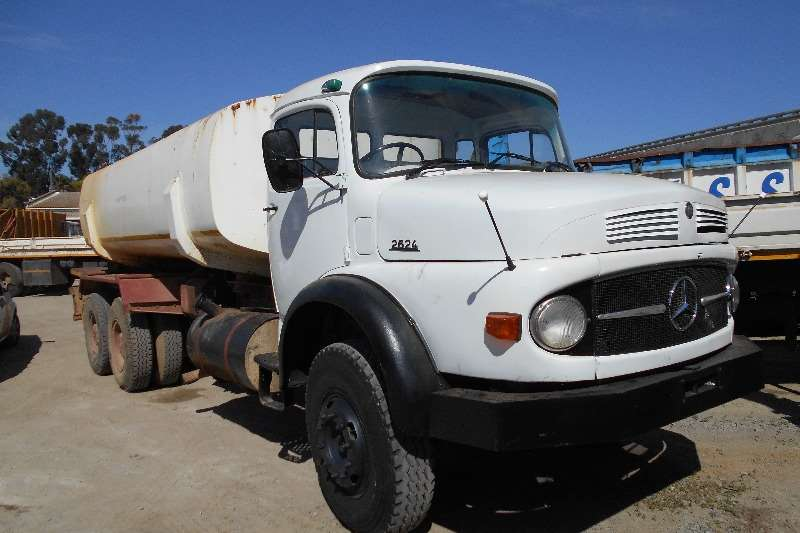 Truck Mercedes Benz Water Tanker Mercedes Benz 2624 Watertanker 1982