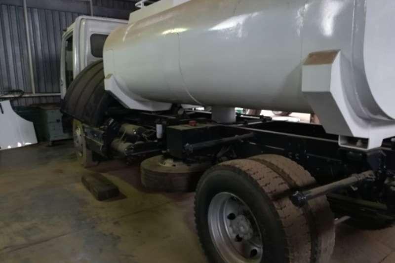 Truck Mercedes Benz Water Tanker Mercedes Benz 9000L Bowser 2000