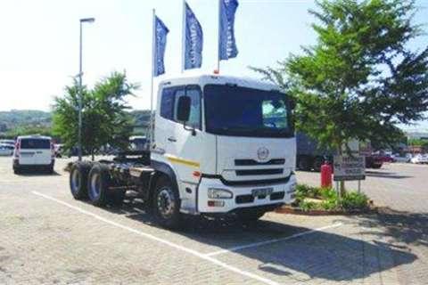 Truck Nissan 460 6x4 Truck Tractor- 2010