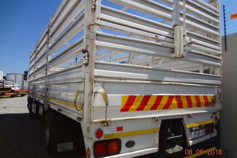 Nissan Cattle body UD100 cattle rails Truck