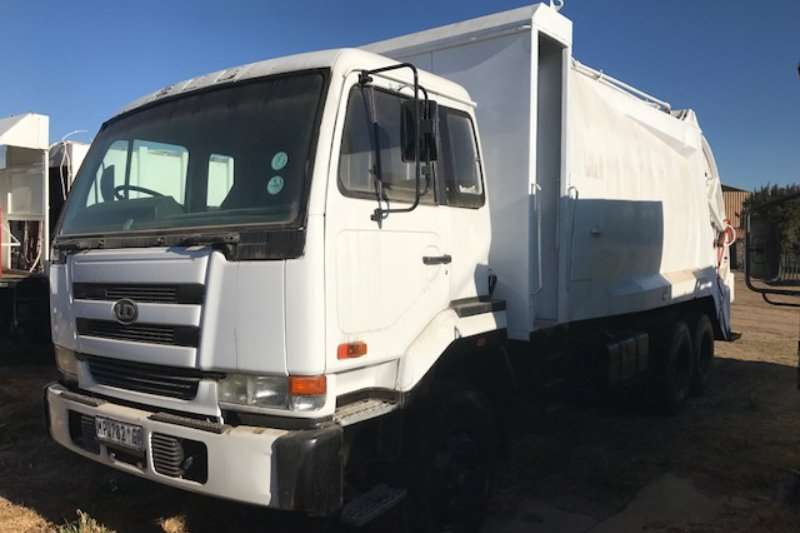 Truck Nissan Compactor UD 290 2002
