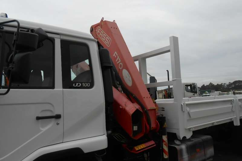 Nissan Crane truck NISSAN UD100 6 X2 DROPSIDE WITH FASSI F170 CRANE Truck