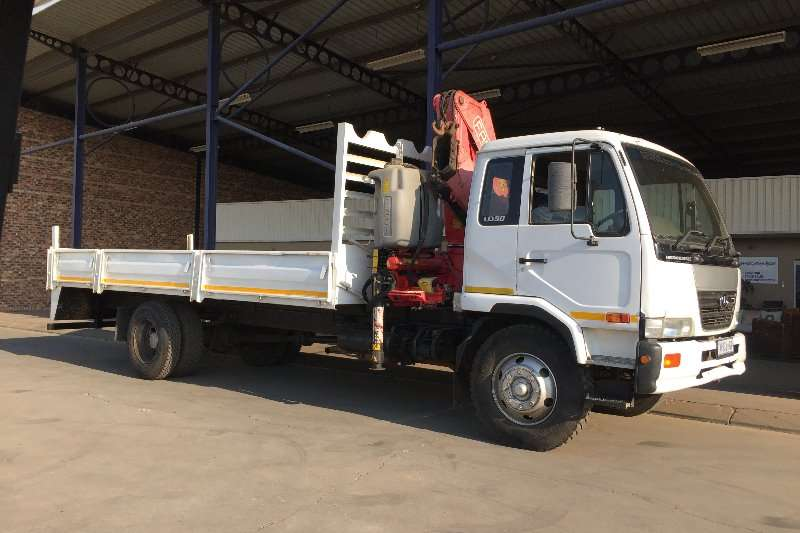 Nissan Crane truck UD 90 with Fassi F170 Truck