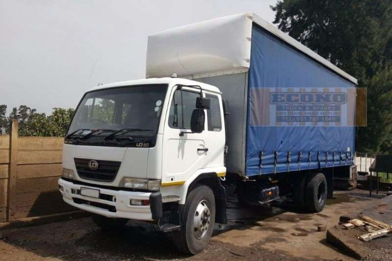 Truck Nissan Curtain Side UD80 2008