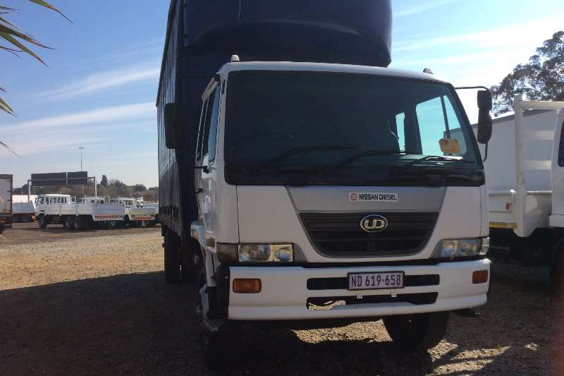 Truck Nissan Curtain Side UD80 Curtain Side 2006