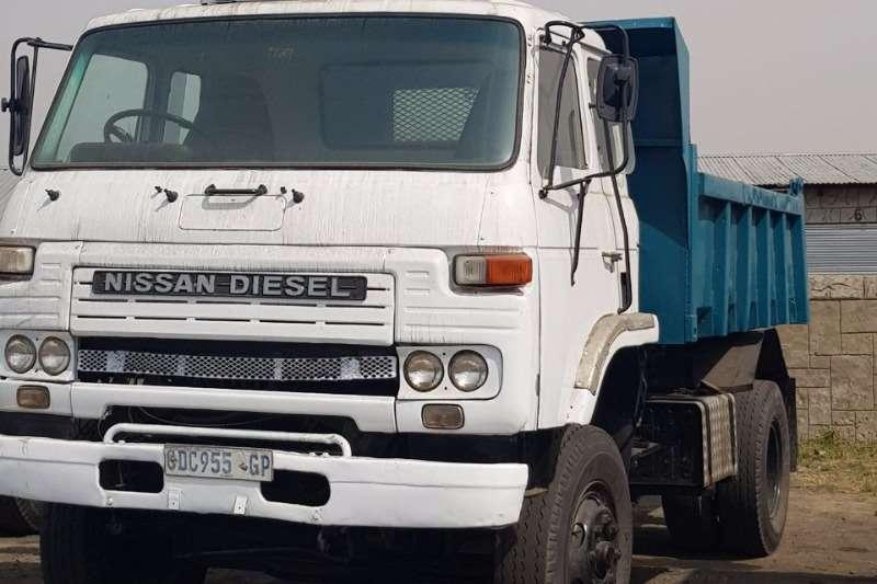 Truck Nissan Diesel (6 cube) Tipper 0