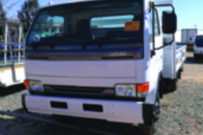 Truck Nissan Dropside UD 40 2010