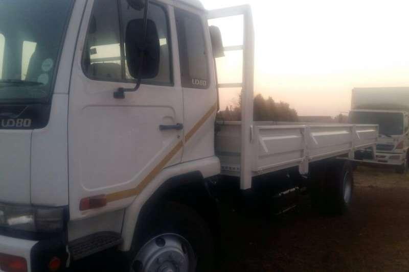 Nissan Dropside UD80 Truck