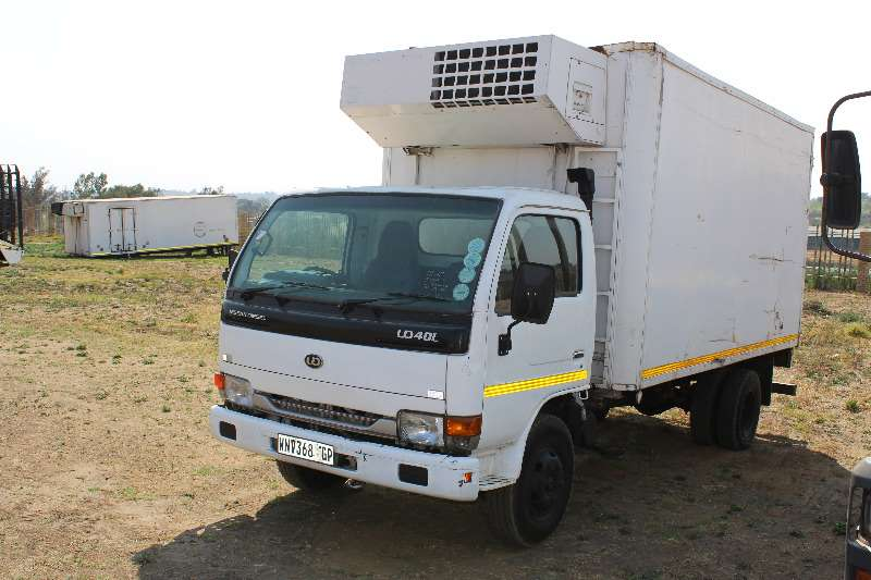 Truck Nissan Fridge Truck Nissan Ud 40 4 ton refrigerated 0
