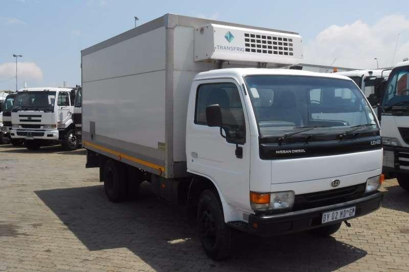 Nissan Fridge truck NISSAN UD40 WITH FRIDGE Truck