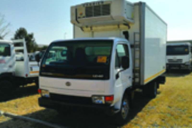 Truck Nissan Fridge Truck UD 40 2009