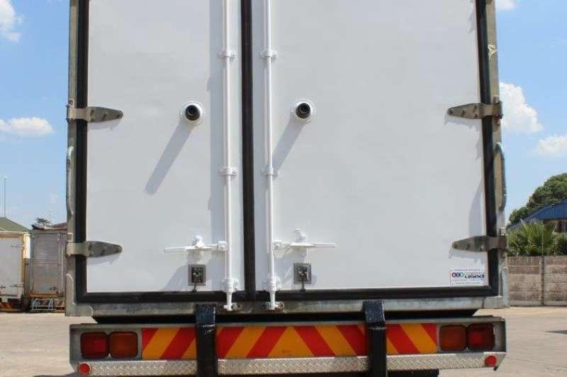 Nissan Fridge truck UD80 Truck