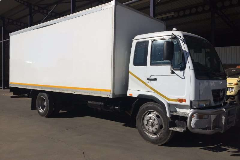 Truck Nissan Insulated Body UD 70B Insulated Van Body 2012
