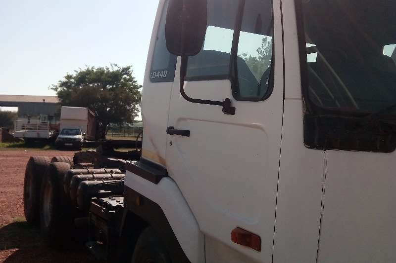 Truck Nissan Other UD440 2005 Horse 2005