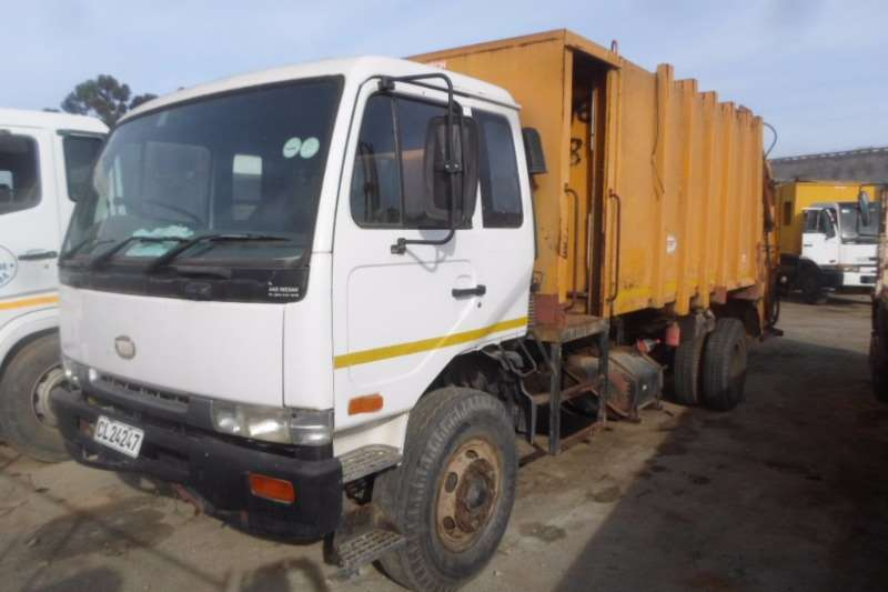Truck Nissan Refuse Disposal Nissan UD95 Compactor 1999