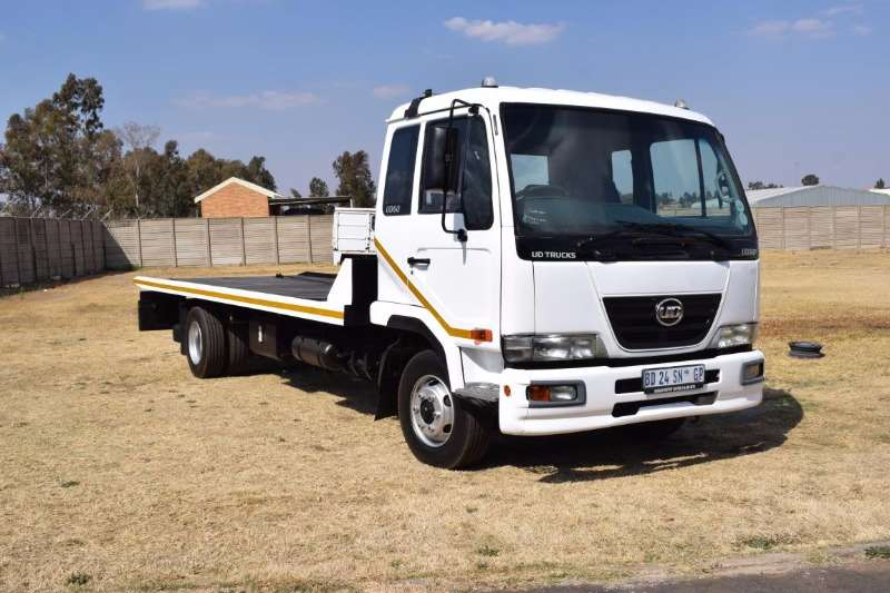 Truck Nissan Roll Back ud 60 2011