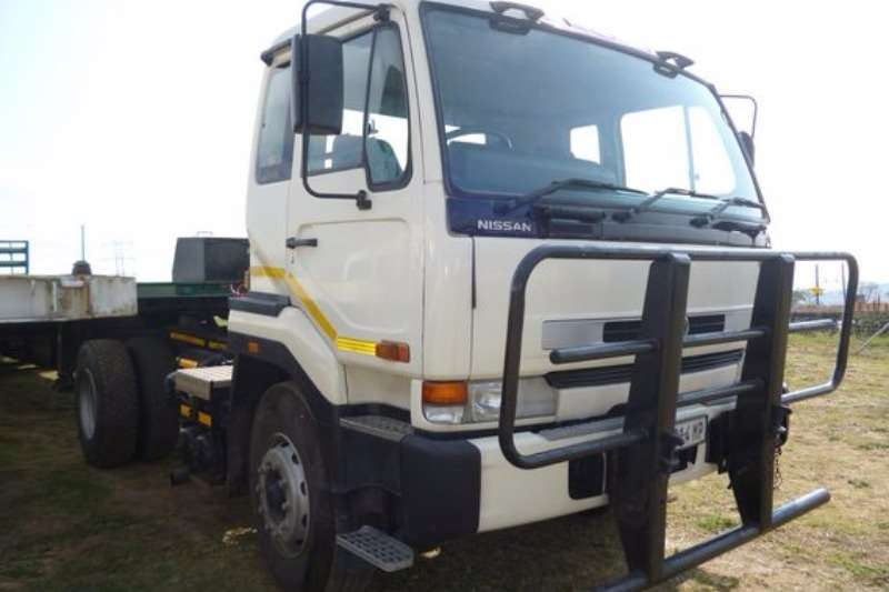 Truck Nissan UD 290 TRUCK TRACTOR 2002