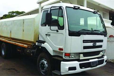 Truck Nissan UD290- 2009