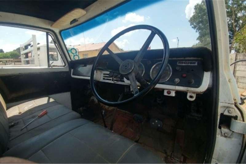Nissan UG780 Truck