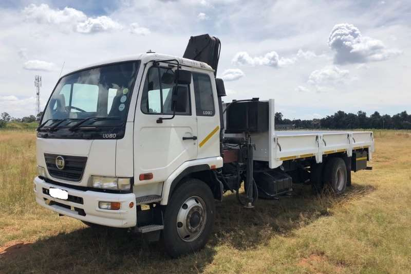 Truck Nissan Used Nissan UD80 4 Ton with Crane Available 2012
