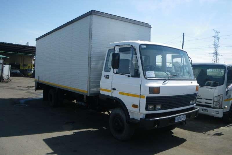Truck Nissan Van body CM10 1987