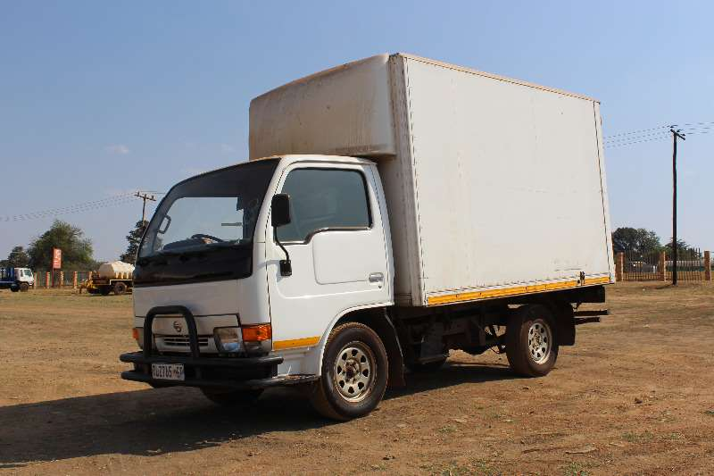 Truck Nissan Volume Body Nissan Cabstar 20 volume body 0