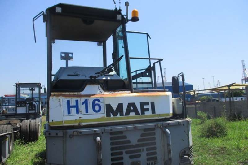 Truck Other Chassis Cab Mafi MT25YT, 4x2 FLR, 25 Ton Terminal Truck 2006