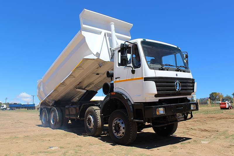 Truck Powerstar Tipper MB POWERSTAR 4035 TWIN STEER 20 CUBE TIPPER TIPPER 2013