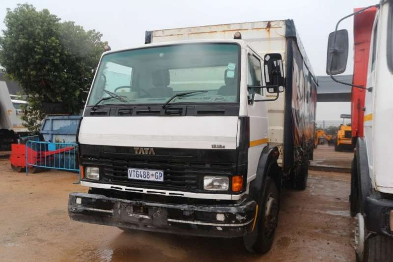 Truck Tata 1518c Tautliner BOdy 2007