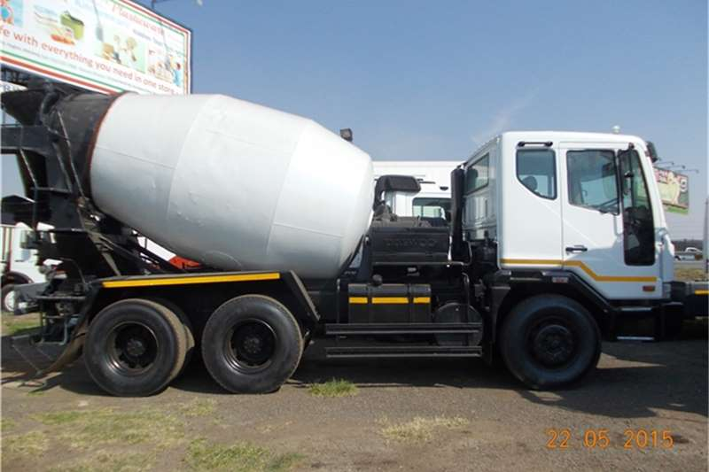 Tata Concrete mixer Truck