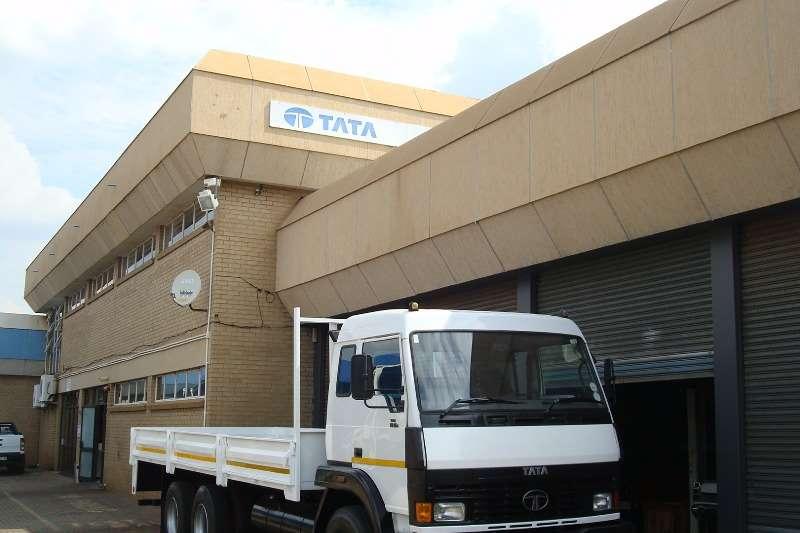 Truck Tata Dropside 2011 TATA LPT 1518 SLEEPER CAB WITH DROPSIDE 2011