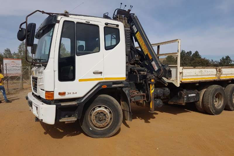 Truck Tata Dropside 3134 Dropside & Hiab Crane 2007