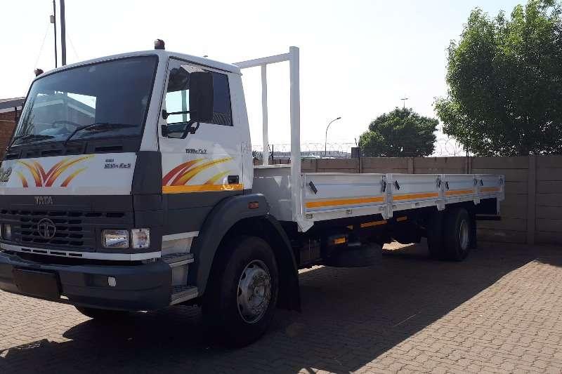 Truck Tata Dropside LPT1518 DROPSIDE 9METER 8T 2014