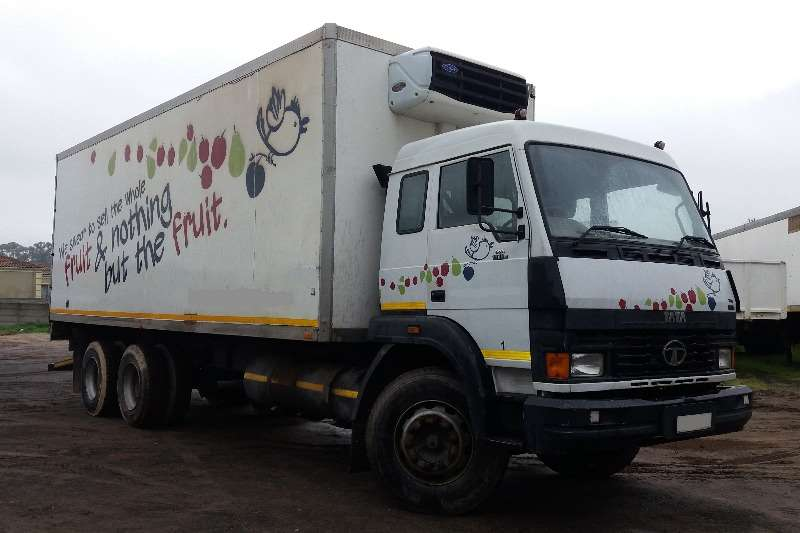 Truck Tata Fridge Truck 19-18 2009