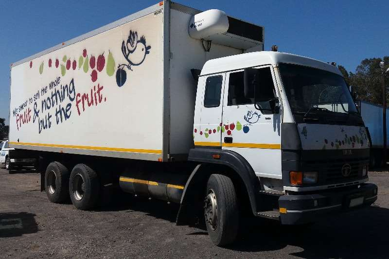 Truck Tata Fridge Truck 19-18 2011