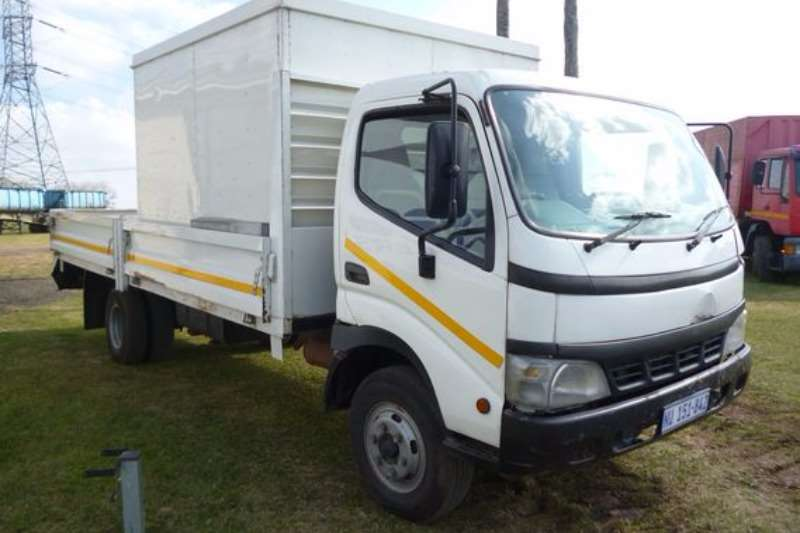 Truck Toyota DYNA With Dropside Body 2008