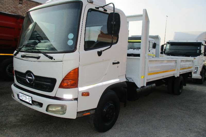 Truck Toyota Toyota Hino FC4 6  Ton Drop Side 2007