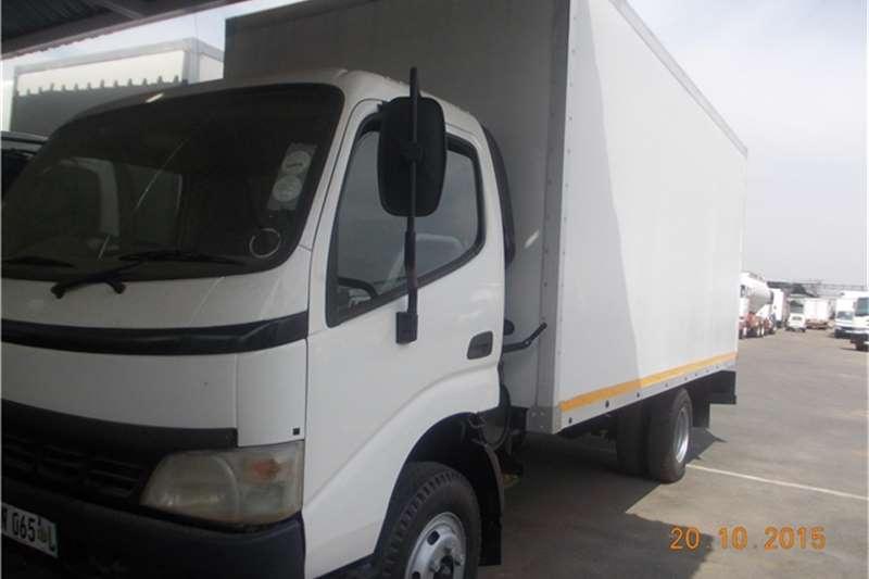 Toyota Van body 4TON TOYOTA DYNA Truck