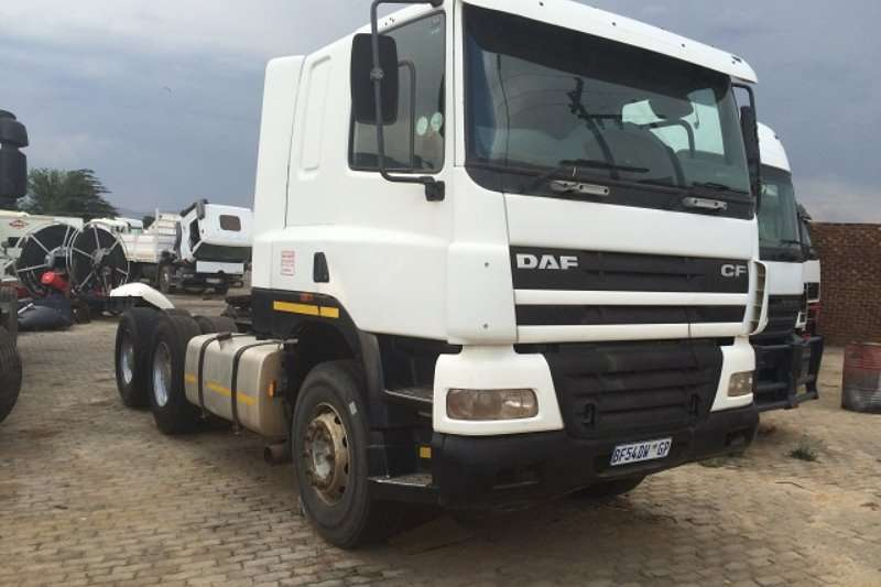 Truck-Tractor DAF  Double Axle 85CF430 2006