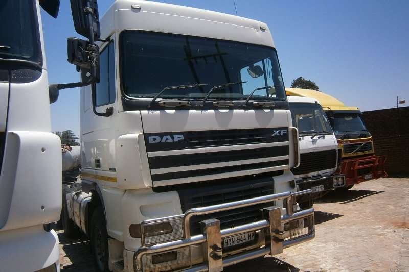 Truck-Tractor DAF  Double Axle 95XF480 2007