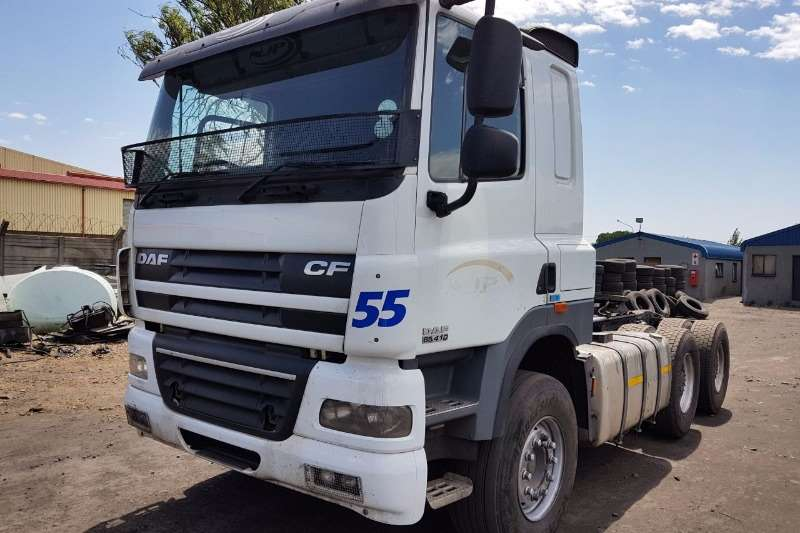 Truck-Tractor DAF  Double Axle CF 85-410 2013