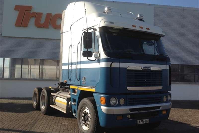 Truck-Tractor Freightliner Argosy 90 Cat 515 Freightliner 2010