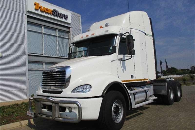 Truck-Tractor Freightliner Columbia CL 112 34(MB4000) Freightliner 2016