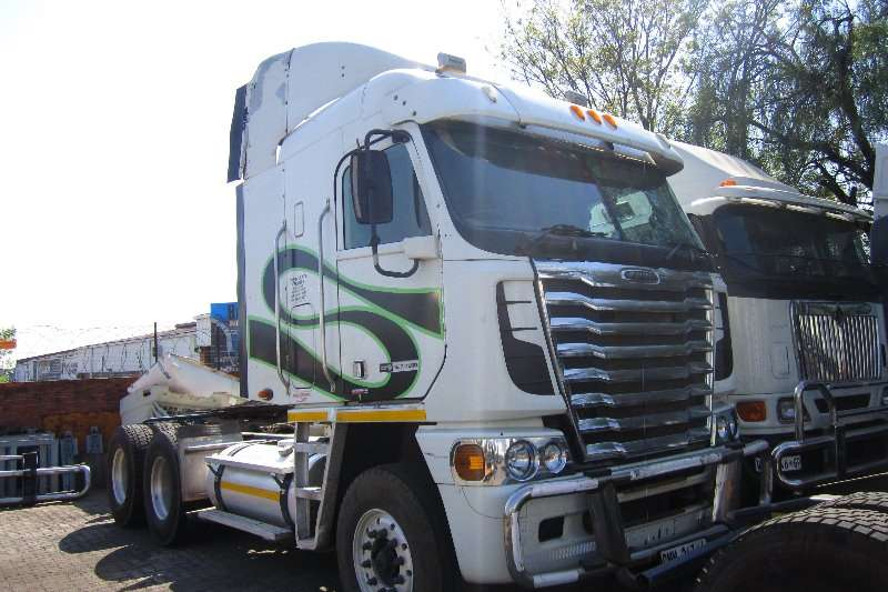 Truck-Tractor Freightliner  Double Axle Argosy Detroit 12.7 2012