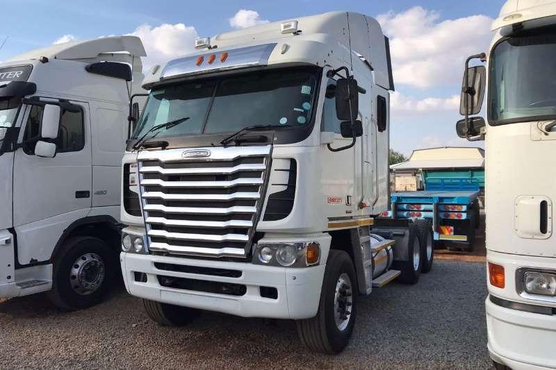 Freightliner Double axle Argosy NG 90 ISX 500 Cummin 6x4 T/T Truck-Tractor