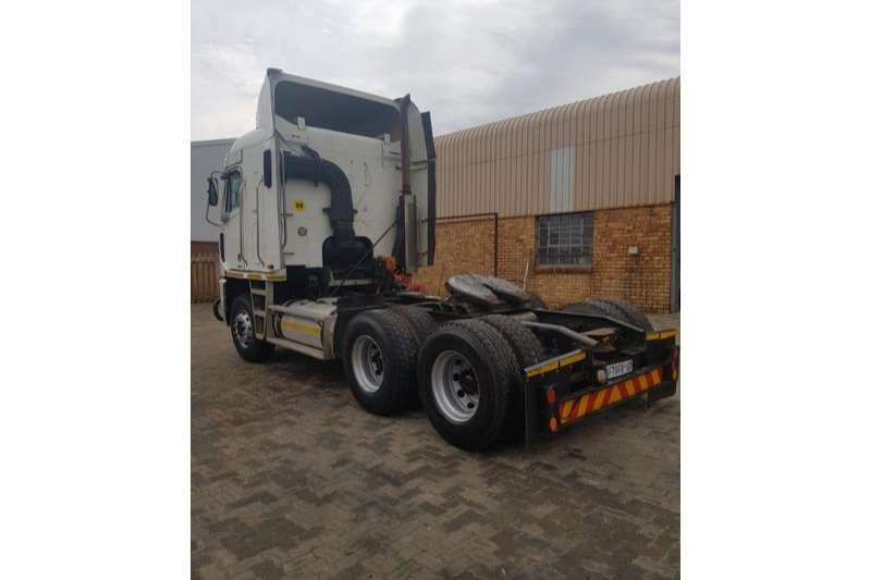 Freightliner Double axle CAT515 6X4 Truck-Tractor
