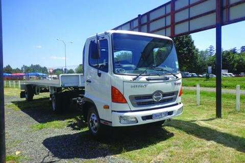 Truck-Tractor Hino  Double Axle 500 1017 T/T WITH TRAILER 2012